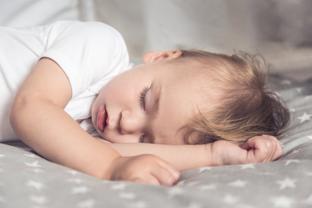 Как уложить грудного ребенка спать: проверенные советы мамочек