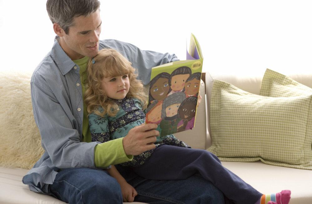 Гаджеты не заменят детских книг
