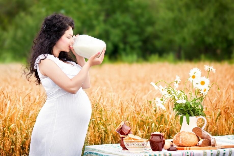 Как правильно спать во время беременности, позы для сна по триместрам