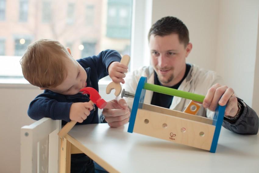 чем занять ребенка в 4 года дома: заинтересовать, увлечь, предложить полезные игры