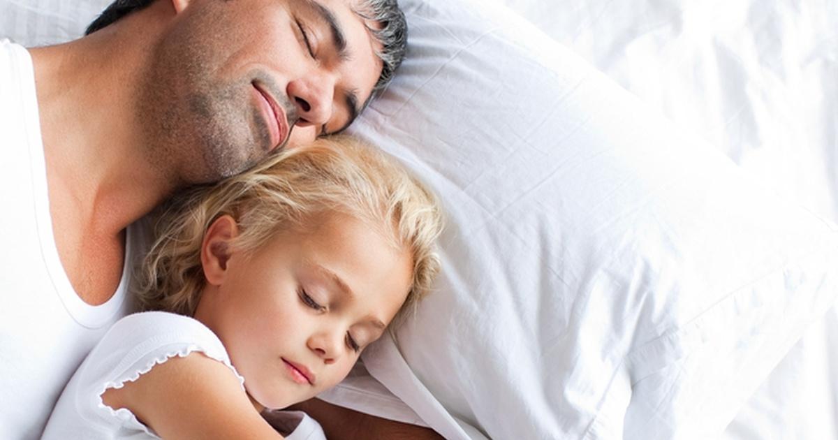 Совместный сон с малышом до года - стоит ли допускать