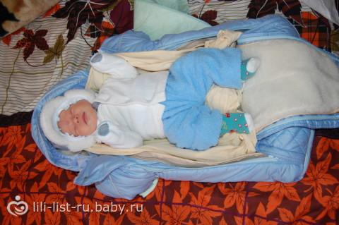Когда можно гулять с новорожденным после роддома: первая прогулка