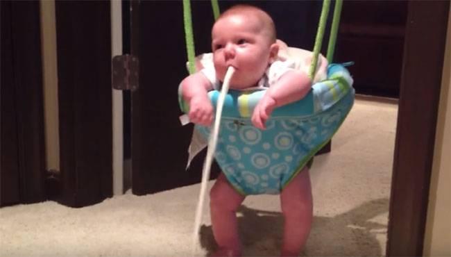 Почему новорожденный срыгивает фонтаном - заметки о беременности