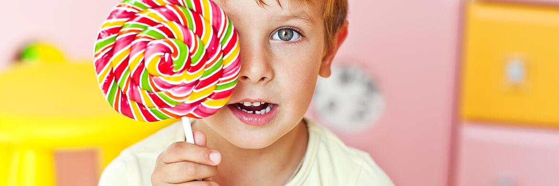 Какие конфеты можно детям. можно ли детям есть сладкое? полезнее ли виноградный сахар