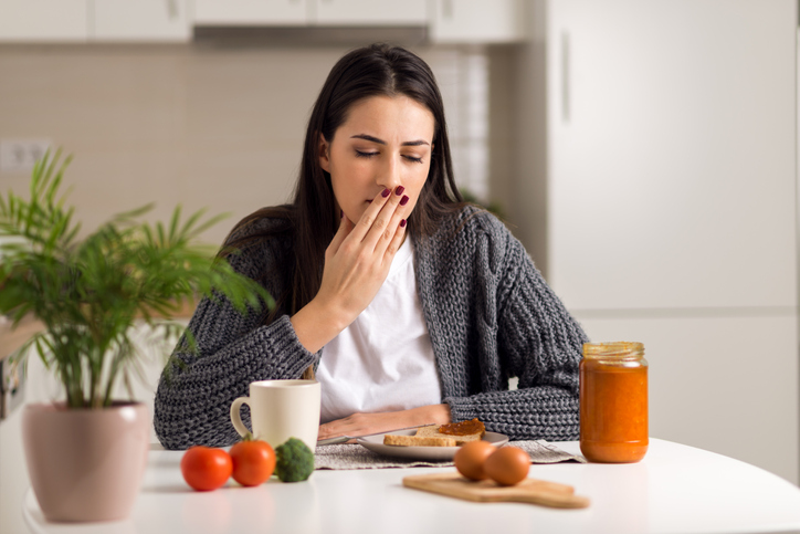 Что вызывает у ребенка рвоту во время еды и как с этим бороться?