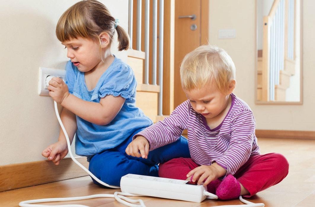 Как сделать безопасным дом для ребенка: список действий