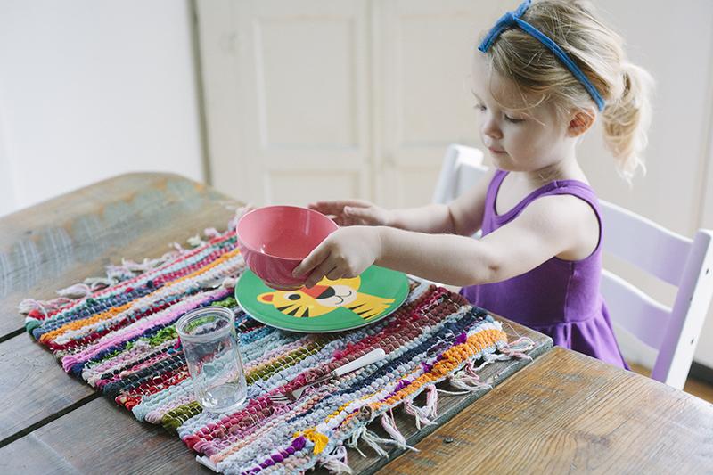 Что делать дома с детьми 4 лет: игры, полезные занятия, воспитание