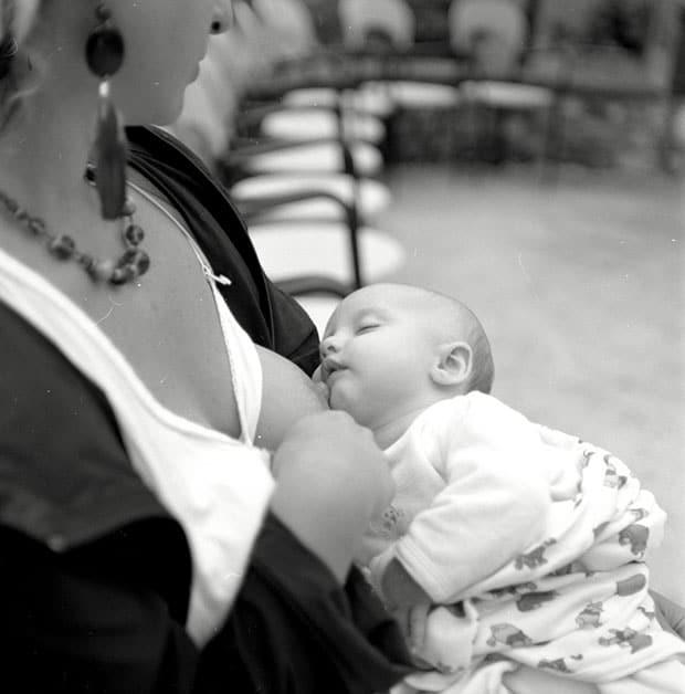 Если ребенок утром долго спит, дольше чем по режиму, будить или нет? уже второй день так. из-за этого позже ложится. ~ я happy mama