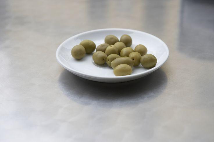 Консервированные маслины при беременности: что полезного и вредного есть в фрукте
