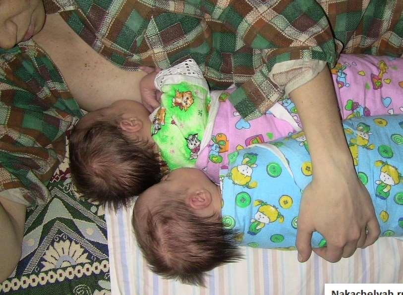 Как кормить двойню грудью, рассказ о грудном вскармливании двойни