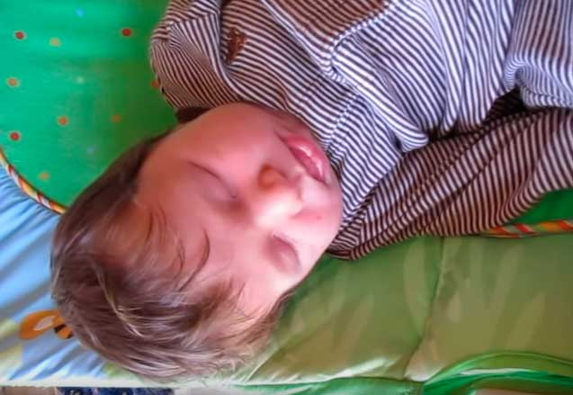 Ребенок с коликами