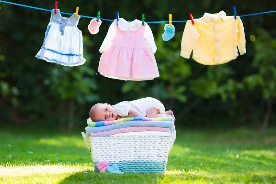 Как стирать вещи новорожденного правильно