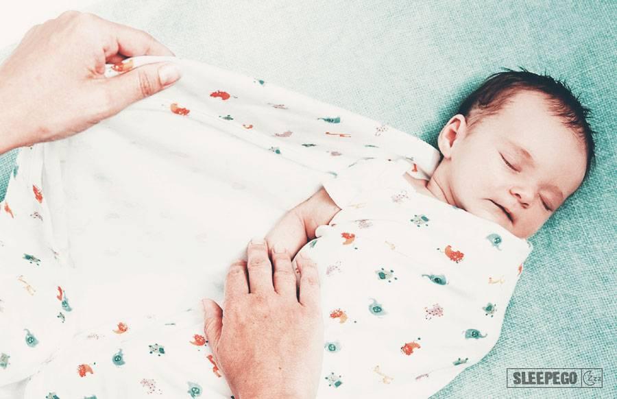 Ребенок не спит без пеленки: когда отучать?