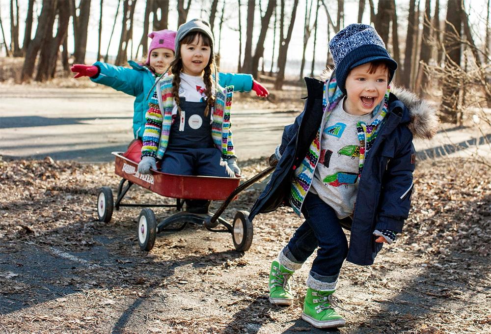 Во что поиграть с ребенком на улице? - болталка для мамочек малышей до двух лет - страна мам