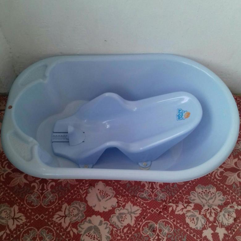Выбираем лучшую ванночку для купания новорожденных