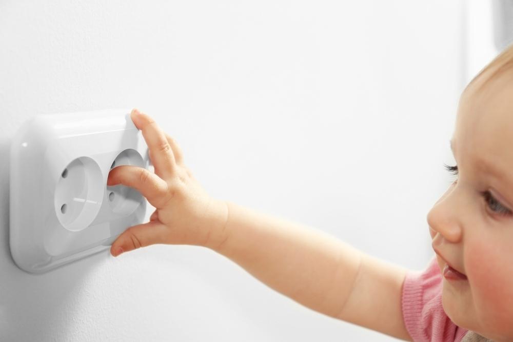Как сделать загородный дом безопасным для детей?