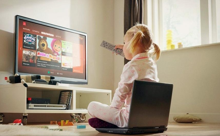 Можно ли грудничку смотреть телевизор: советы комаровского