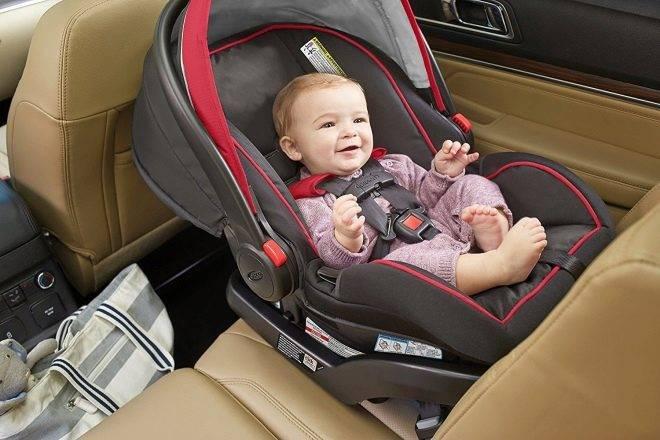 Как перевозить новорожденного ребенка в машине?