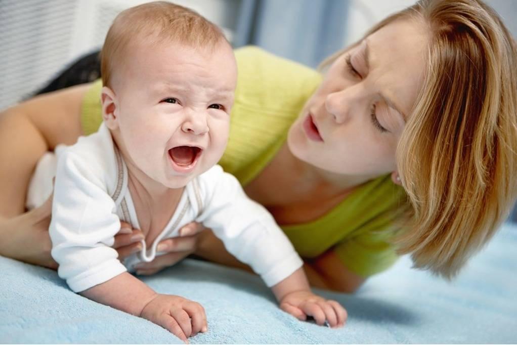 Почему ребенок плачет во сне и просыпается