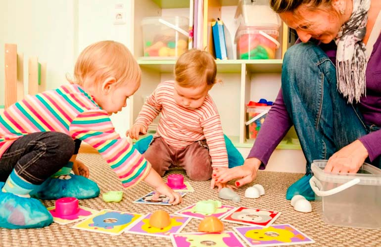 Чем занять малыша дома: игры и развлечения для детей от года до пяти лет