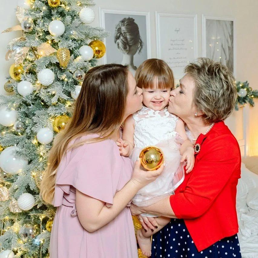 Новый 2020 год в кругу семьи: лучший сценарий для веселого праздника
