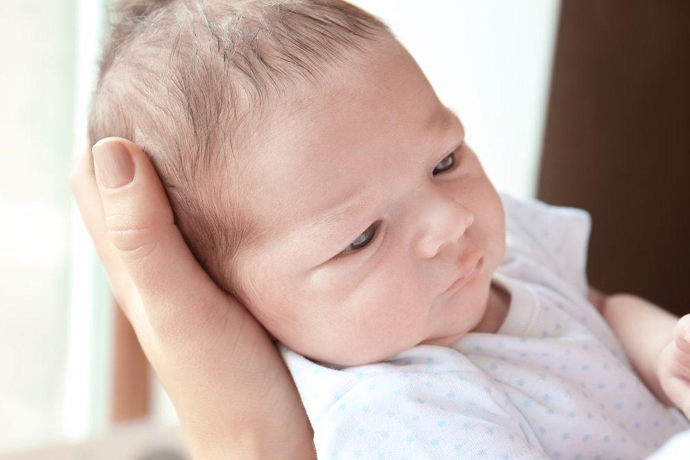 Когда ребенок начинает слышать?