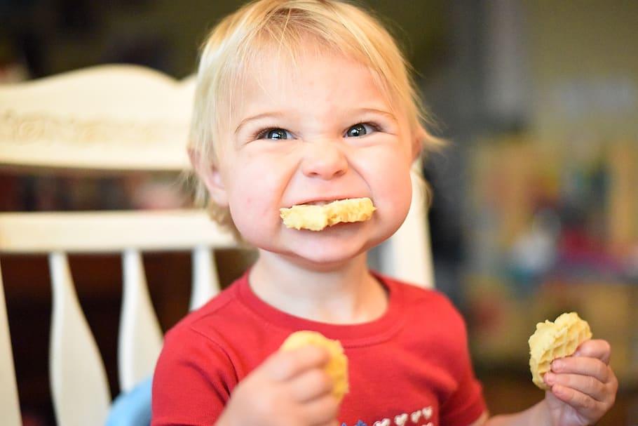 Ребенок давится и рвет во время еды ((( - страна мам