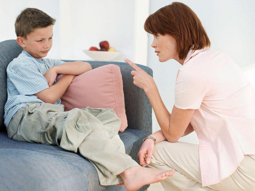 10 вещей, которые нельзя делать при ребенке • очень интересно
