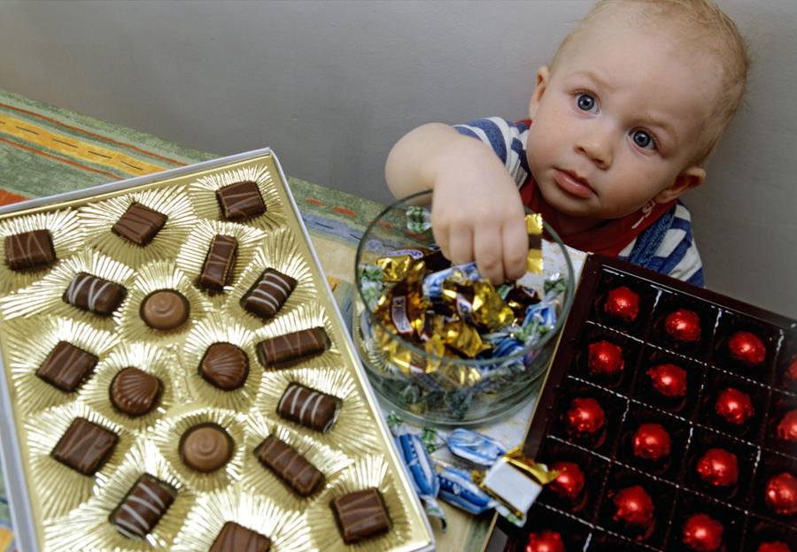 Собираем сладкий подарок для ребенка