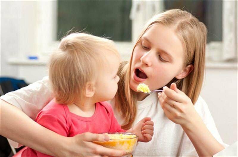 """""""не бойтесь, что ребенок останется голодным"""". педиатр о прикорме, идеальной еде и перекусах"""