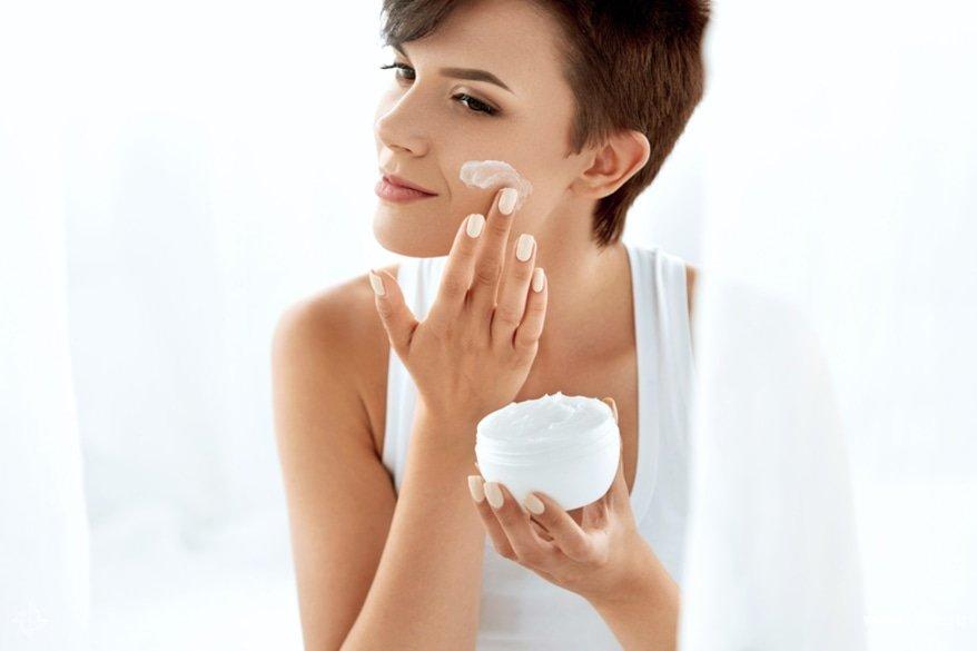 7 правил ухода за кожей зимой. советы врача-дерматолога :: здоровье :: рбк стиль