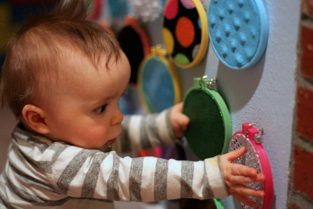Чем и как занять ребенка дома? интересные занятия для детей   советы для мам