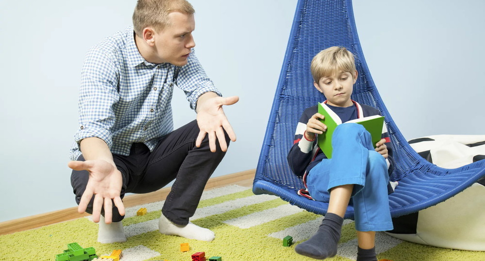 Как научить ребенка убирать за собой игрушки и наводить порядок