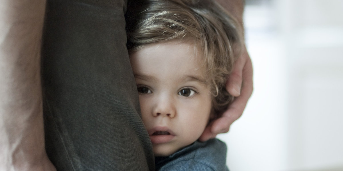 Если ребёнок боится посторонних