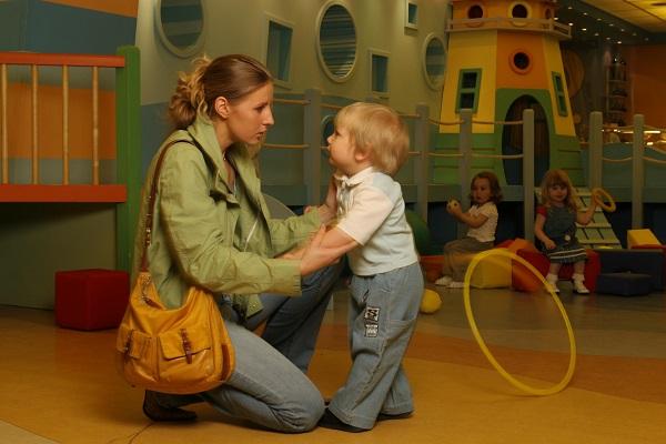 Если ребенок плачет в детском саду, что делать?