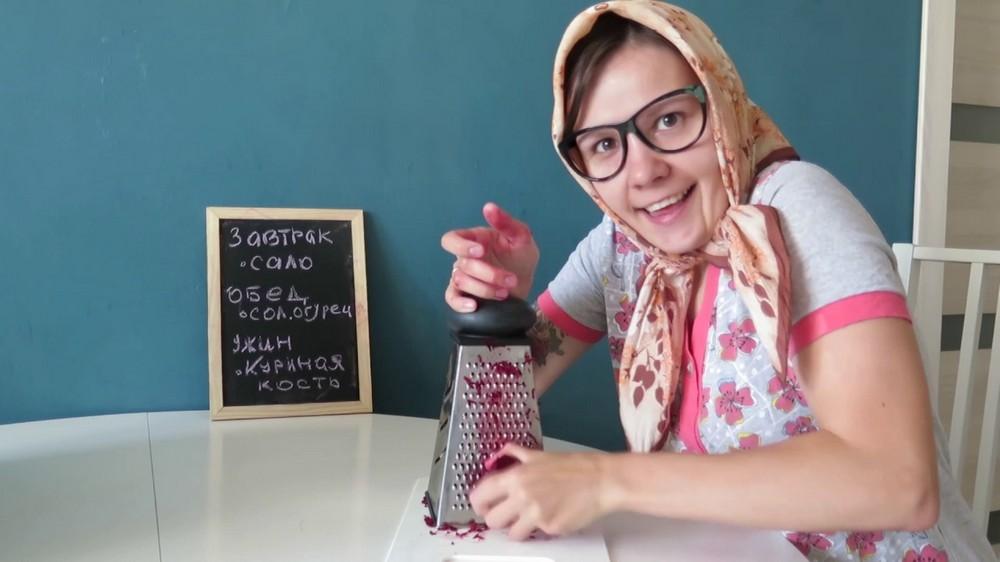 Вредные и бессмысленные советы бабушки: вот что нельзя больше делать на кухне