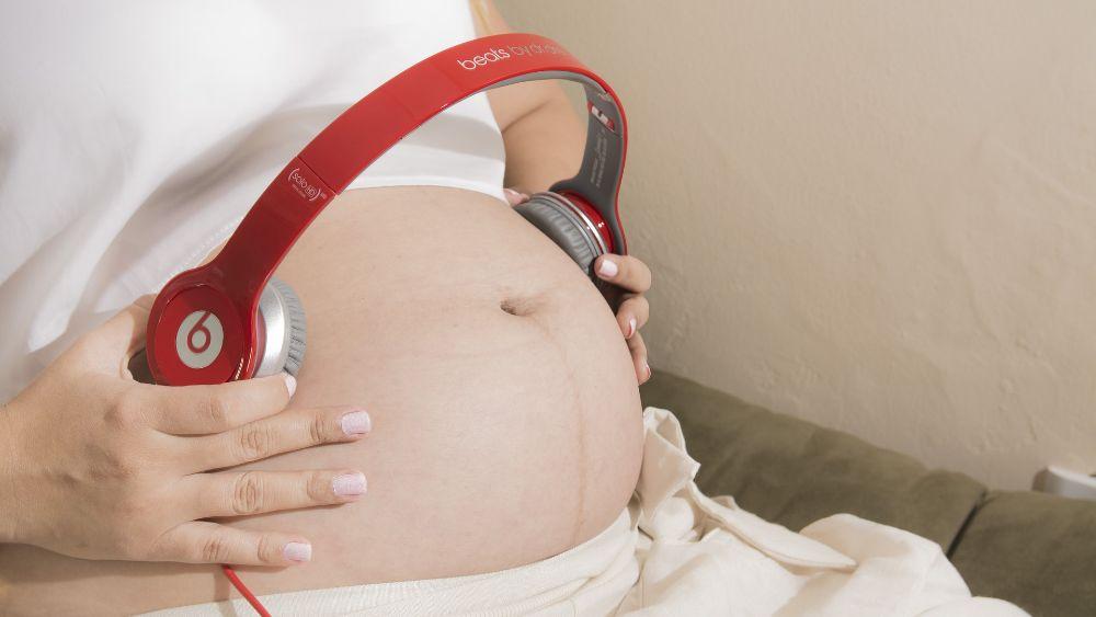 Музыка при беременности для развития: как влияет на плод