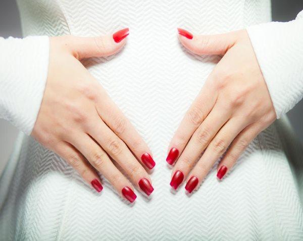 Шеллак во время беременности: опасен или нет?