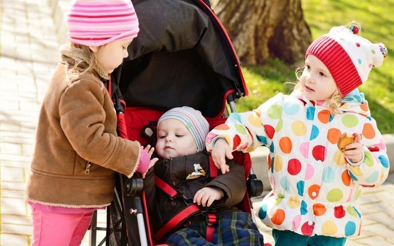 15 идей игры на улице весной    семья и мама