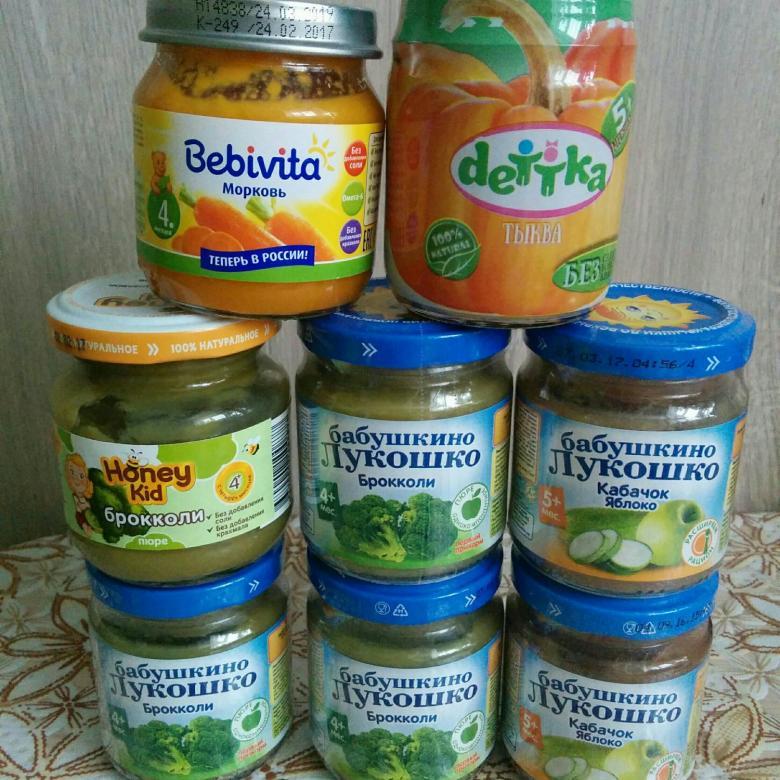 Прикорм ребенка. с чего начинать прикорм? схема прикорма по месяцам. баночное питание или натуральное?