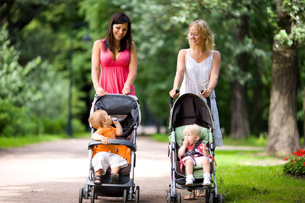 Какую коляску выбрать для новорожденного летом и весной