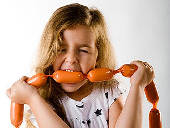 Детские сосиски и вареная колбаса: с какого возраста можно ребенку?