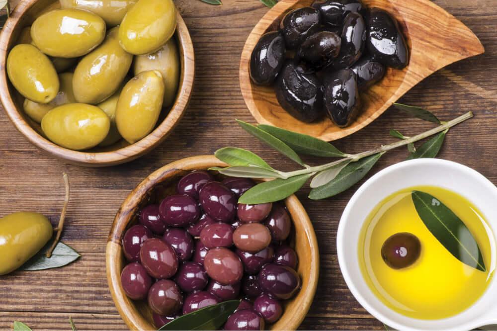 Оливки при беременности — польза, противопоказания и риски употребления