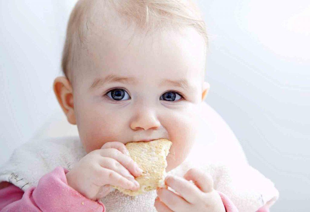 Сладкое детям: вредно или полезно?