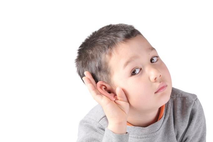 Почему малыш не слышит: причины слуховых нарушений | статьи центра логопед профи