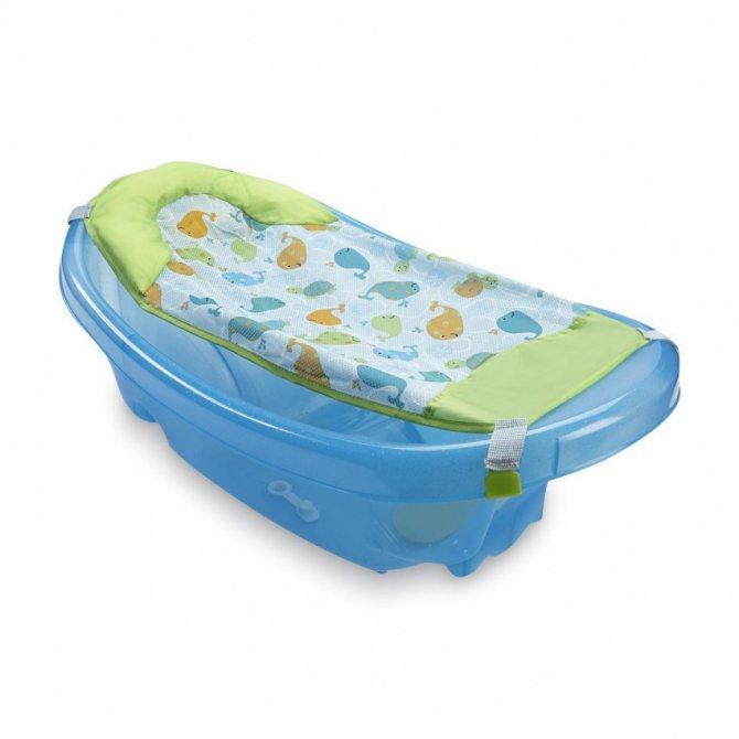 Ванночки для купания новорожденных: как проводить их с пользой