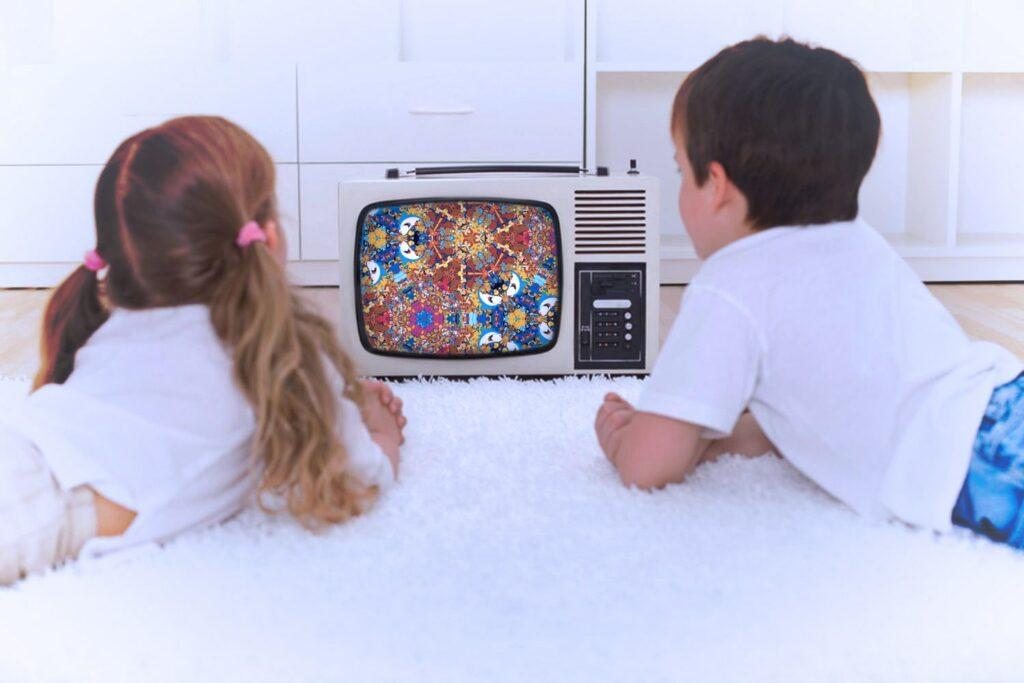 Сколько можно смотреть телевизор ребенку?