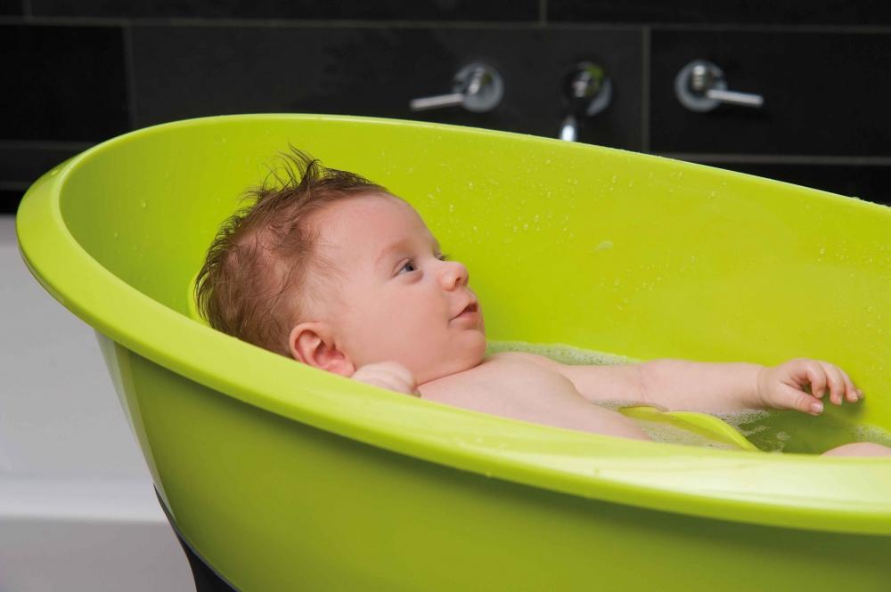 Как выбрать лучшую ванночку для детей: советы заботливым родителям