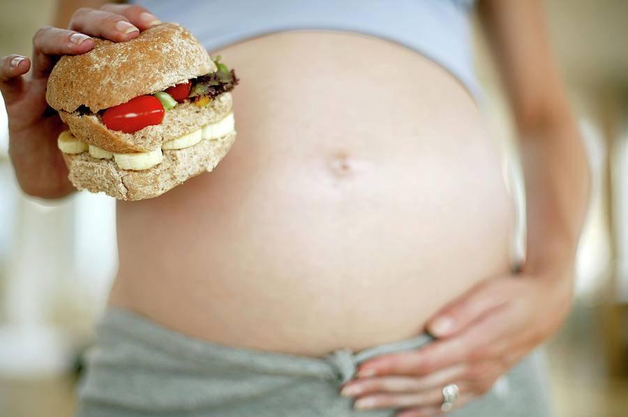Опасно ли чувство вздутия живота при беременности