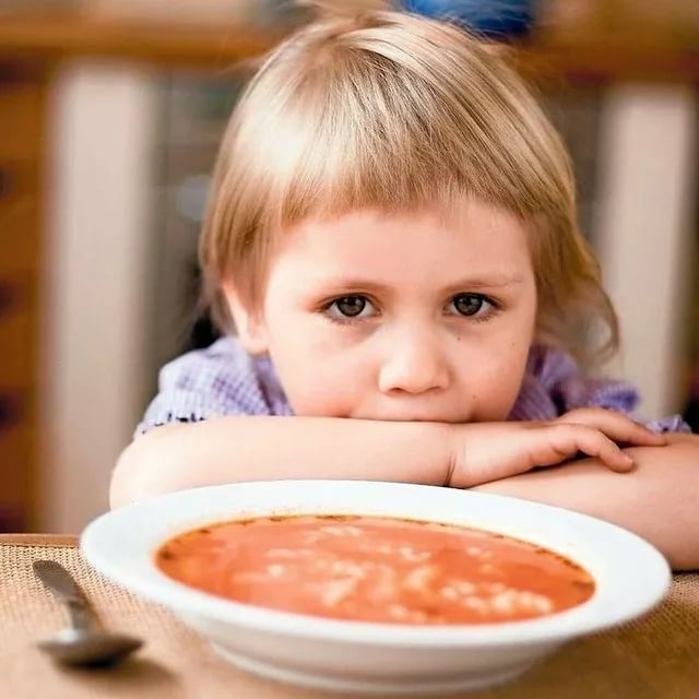 Обязательно ли давать ребенку суп?